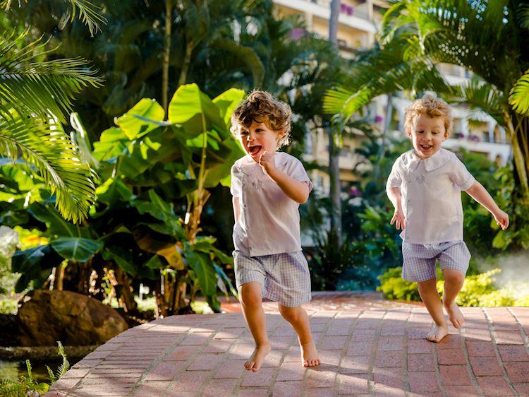 niñoscorriendo velas vallarta